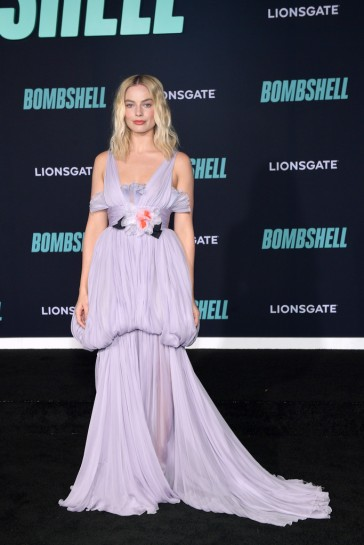 Margot Robbie in Giambattista Valli Fall 2019 Couture-5