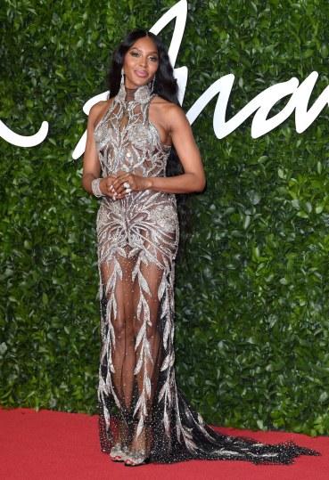 Naomi Campbell in Alexander McQueen-4