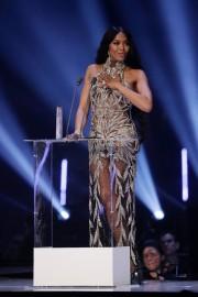 Naomi Campbell in Alexander McQueen-6