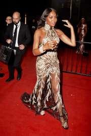 Naomi Campbell in Alexander McQueen-7