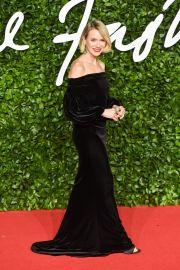 Naomi Watts in Burberry-1
