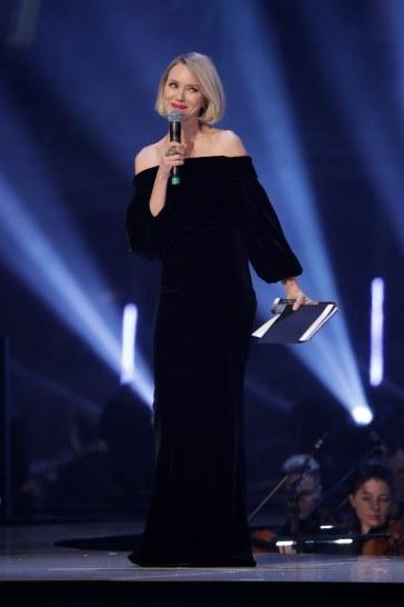 Naomi Watts in Burberry-8