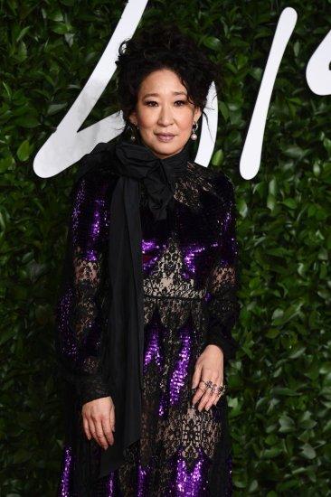 Sandra Oh in Erdem Fall 2019-1