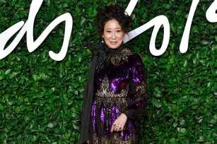 Sandra Oh in Erdem Fall 2019-3