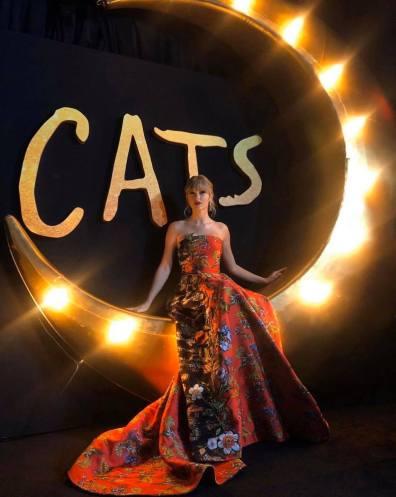Taylor Swift in Oscar de la Renta Resort 2020-11