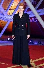 Tilda Swinton in Chanel Fall 2019 Couture-11