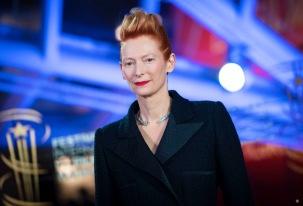 Tilda Swinton in Chanel Fall 2019 Couture-4