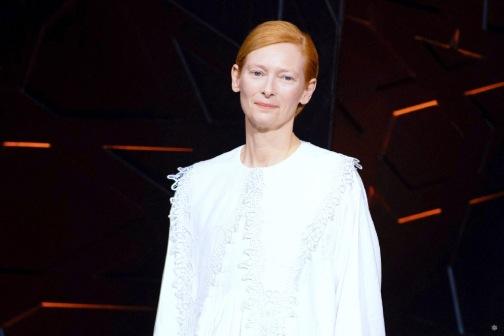 Tilda Swinton in Loewe Spring 2020-12