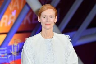 Tilda Swinton in Loewe Spring 2020-2
