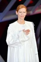 Tilda Swinton in Loewe Spring 2020-4