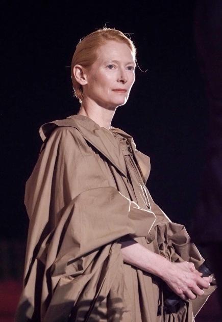 Tilda Swinton in Loewe Spring 2020-6