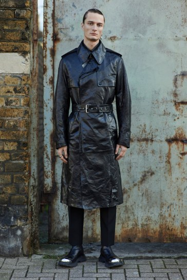 Alexander McQueen Fall 2020 Menswear Look 12