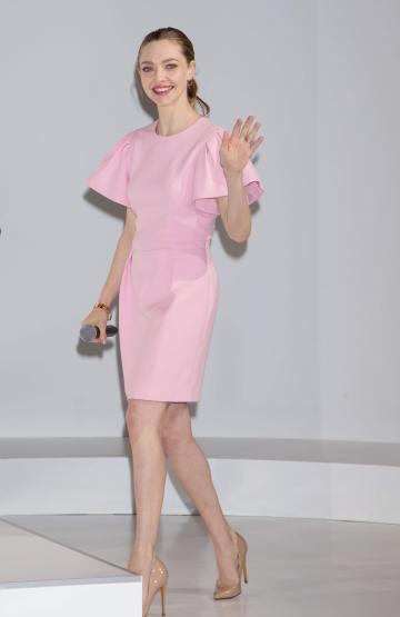 Amanda Seyfried in Alexander McQueen-2