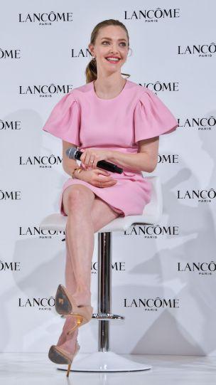 Amanda Seyfried in Alexander McQueen-8