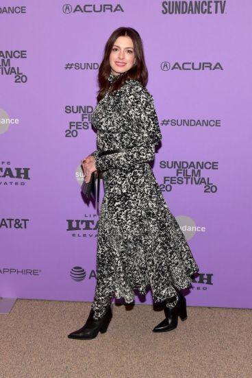 Anne Hathaway in Michael Kors Pre-Fall 2020-5