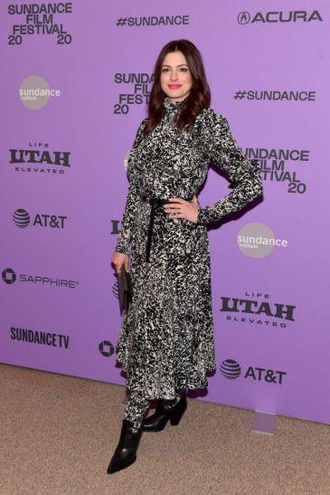 Anne Hathaway in Michael Kors Pre-Fall 2020-6