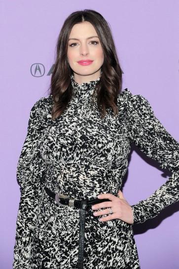 Anne Hathaway in Michael Kors Pre-Fall 2020-7