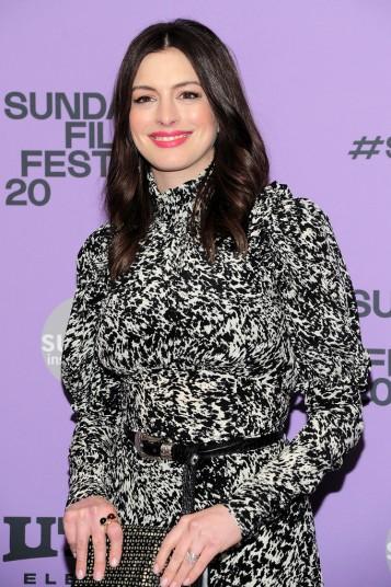 Anne Hathaway in Michael Kors Pre-Fall 2020-8