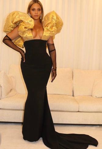 Beyonce in Schiaparelli-2