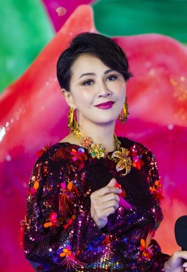 Carina Lau in Versace Spring 2020-10