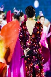 Carina Lau in Versace Spring 2020-4