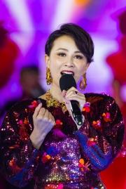 Carina Lau in Versace Spring 2020-5