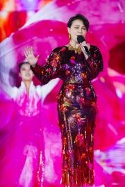 Carina Lau in Versace Spring 2020-6