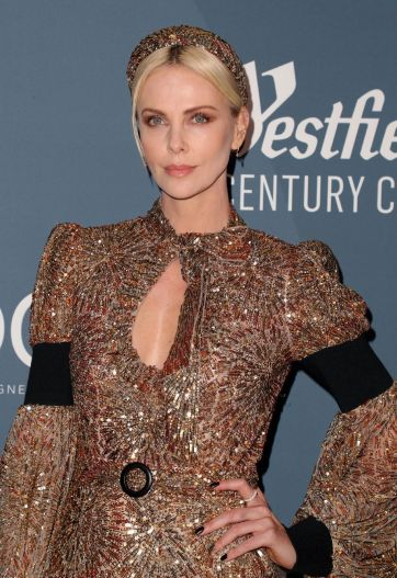 Charlize Theron in Louis Vuitton-9