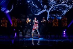 Jolin Tsai in Moschino Resort 2020-2