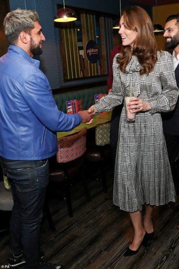 Kate Middleton in ZARA-2