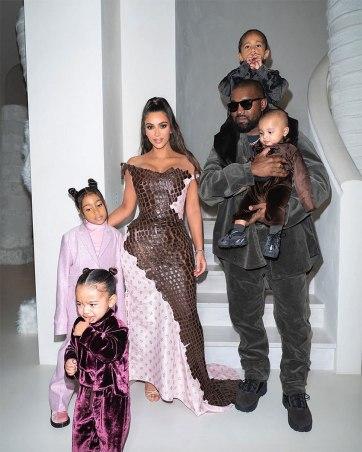 Kim Kardashian West in Dior Fall 2000-4