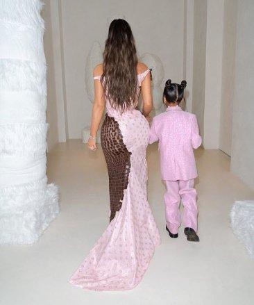 Kim Kardashian West in Dior Fall 2000-6
