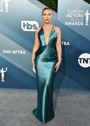 Scarlett Johansson in Armani Prive-1