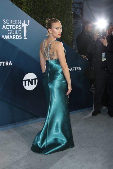 Scarlett Johansson in Armani Prive-4