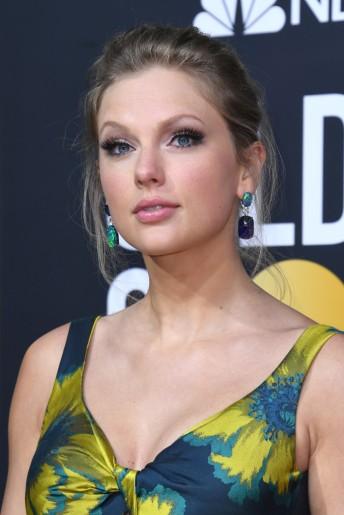 Taylor Swift in Etro-7