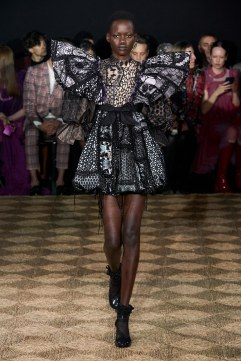 Viktor & Rolf Spring 2020 Couture Look 19
