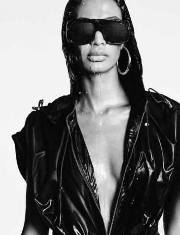 Vogue Japan March 2020-15