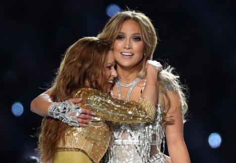 2020 Super Bowl Halftime Show Jennifer Lopez and Shakira-4