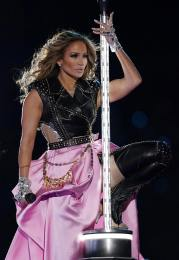 2020 Super Bowl Halftime Show Jennifer Lopez and Shakira-7