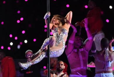 2020 Super Bowl Halftime Show Jennifer Lopez and Shakira-8