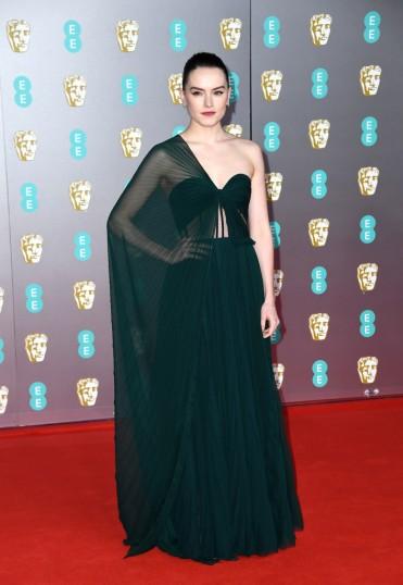 Daisy Ridley in Oscar de la Renta-1