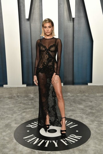 Hailey Bieber in Atelier Versace Spring 2020 Couture-1