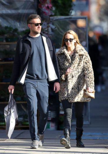Jennifer Lawrence in J.Crew Leopard Coat-3