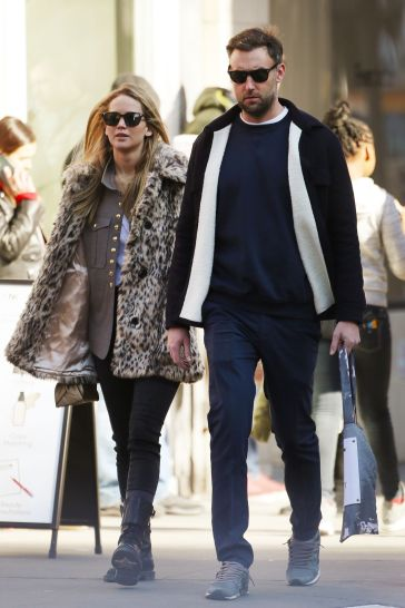 Jennifer Lawrence in J.Crew Leopard Coat-4