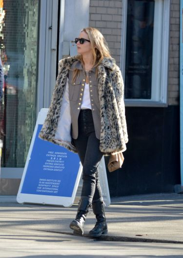 Jennifer Lawrence in J.Crew Leopard Coat-8