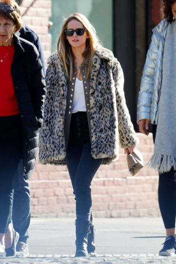 Jennifer Lawrence in J.Crew Leopard Coat-9