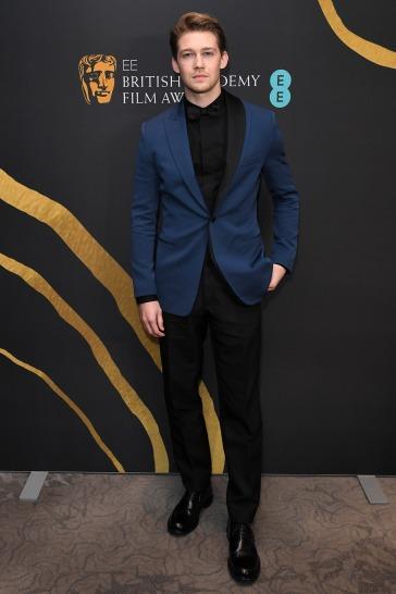 Joe Alwyn in Dior Men-7