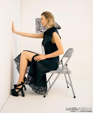Karlie Kloss Vogue Czechoslovakia March 2020-14