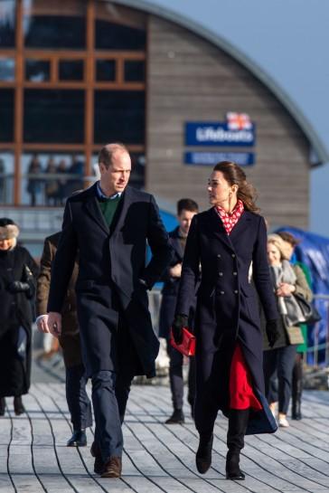 Kate Middleton in Hobbs London and Zara-12
