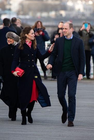 Kate Middleton in Hobbs London and Zara-14